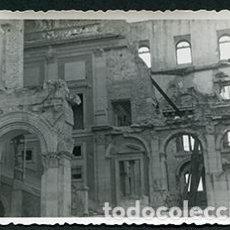 Fotografía antigua: TOLEDO. ALCAZAR DE TOLEDO DESTRUIDO. POSGUERRA, AÑOS 40. Lote 68857945