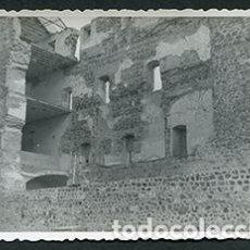 Fotografía antigua: TOLEDO. ALCAZAR DE TOLEDO. PAREDES DERRUMBADAS. POSGUERRA, AÑOS 40. Lote 68858297