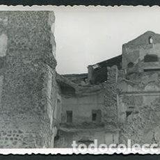 Fotografía antigua: TOLEDO. ALCAZAR DE TOLEDO. PAREDES Y HABITACIONES DERRUMBADAS. POSGUERRA. AÑOS 40. Lote 68858545