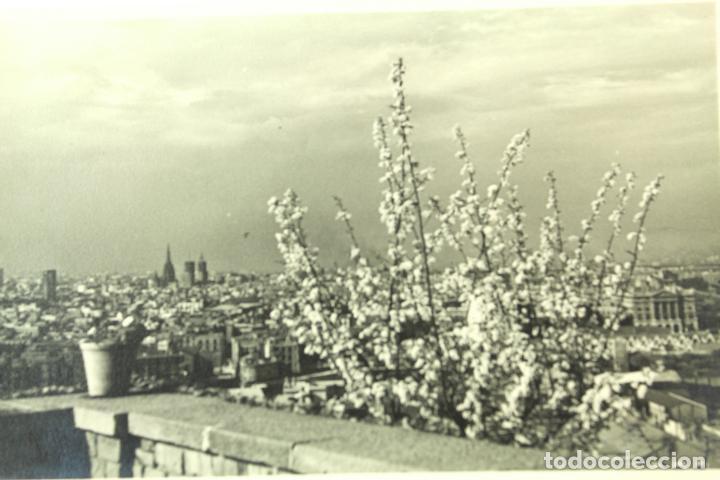 Fotografía antigua: F-3002. VISTA DE BARCELONA DESDE MIRAMAR (MONTJUIC). AÑO 1954. - Foto 2 - 73641283