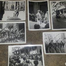Fotografía antigua: ALCOY. MOROS Y CRISTIANOS. LA ENTRADA. AÑOS 60. 6 FOTOS. Lote 78252658
