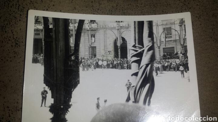 Fotografía antigua: ALCOY. MOROS Y CRISTIANOS. LA ENTRADA. AÑOS 60. 6 FOTOS - Foto 7 - 78252658