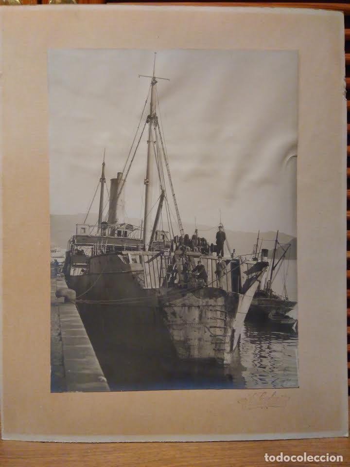 Fotografía antigua: Fotografía antigua barco Ca 1920. 22x30 cm. Buque con una colisión en proa. Sarabia Vigo. - Foto 2 - 63699039