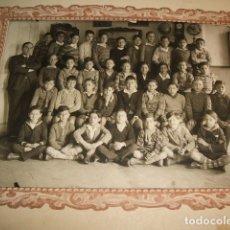 Fotografía antigua: MADRID ESCUELA PRIVADA RETRATO ALUMNOS AÑOS 20 20 X 25 CMTS. Lote 103881911