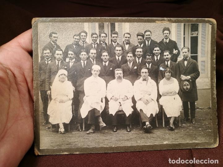 Fotografía antigua: GRUPO DE MÉDICOS Y ESTUDIANTES MEDICINA SIGLO XIX. SIN AUTORÍA-HOSPITAL - Foto 5 - 104353671