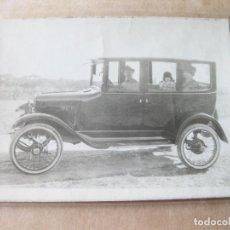 Fotografía antigua: FOTOGRAFIA DE UN AUTOMOVIL ANTIGUO DE MARCA DESCONOCIDA. Lote 105189099