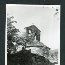 Fotografía antigua: GIRONA. ZONA DE PLANOLES. RIPOLLÉS. IGLESIA. C.1960. Lote 109111203