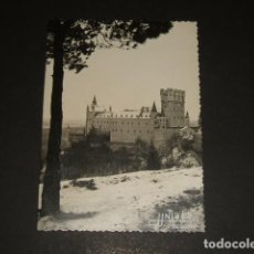 Fotografía antigua: SEGOVIA VISTA DEL ALCAZAR CON NEVADA FOTOGRAFIA J J NIETO 9 X 12 CMTS. Lote 109490491