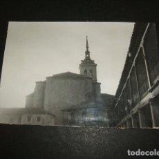 Fotografía antigua: COLMENAR DE OREJA MADRID PLAZA E IGLESIA FOTOGRAFIA ANTIGUA 8 X 11 CTMS. Lote 110097575