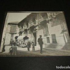 Fotografía antigua: GRANADA AYUNTAMIENTO FOTOGRAFIA 1898 POR VIAJERO ALEMAN 8 X 10,7 CMTS. Lote 110195275