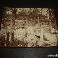 Fotografía antigua: EL ESCORIAL MADRID FUENTE FOTOGRAFIA 1898 POR VIAJERO ALEMAN 8 X 10,7 CMTS. Lote 110195407