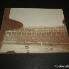 Fotografía antigua: MADRID CORRIDA DE TOROS PLAZA FUENTE DEL BERRO FOTOGRAFIA 1898 POR VIAJERO ALEMAN 8 X 10,7 CMTS. Lote 110195555
