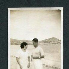 Fotografía antigua: IBIZA. EIVISSA. PUERTO. PAISAJE. TURISTAS. C. 1934. Lote 110205663