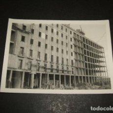 Fotografía antigua: MADRID EDIFICIOS DE VIVIENDAS EN CONSTRUCCION FOTOGRAFIA AÑOS 50. Lote 110322111