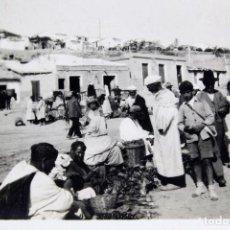 Fotografía antigua: F-3514. MERCADO CALLEJERO EN MELILLA. AÑOS CUARENTA. . Lote 110815447