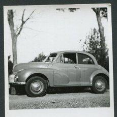 Fotografía antigua: AUTOMOVILISMO. COCHE AÑOS 50. 23 DE MARZO DE 1952. Lote 112165343