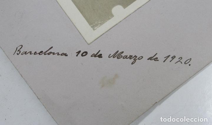 Fotografía antigua: RETRATO DE BODA, MARZO 1920. FOTO: MERLETTI, BARCELONA. Soporte: 25x34 cm. VER TEXTO REVERSO - Foto 2 - 112547251
