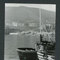 Fotografía antigua: GALICIA. BARCOS DE PESCA. PUERTO-1. PAISAJE MARINO. C.1973. Lote 113351239