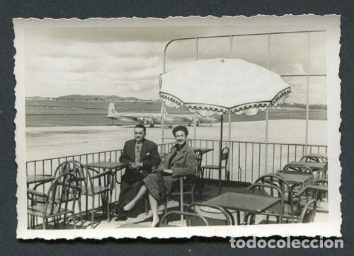 Aeropuerto Del Prat Barcelona Matrimonio En Una Terraza Aviones Años 50