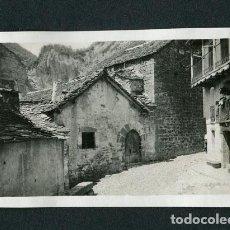 Photographie ancienne: HUESCA. BROTO.PUEBLO. CALLE. CASA MUNICIPAL. 1934. Lote 116124375