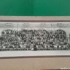 Fotografía antigua: ALUMNOS DEL COLEGIO DE SAN JOSE DE VALLADOLID POSANDO EN EL PATIO,CIRCA 1915. Lote 119122963
