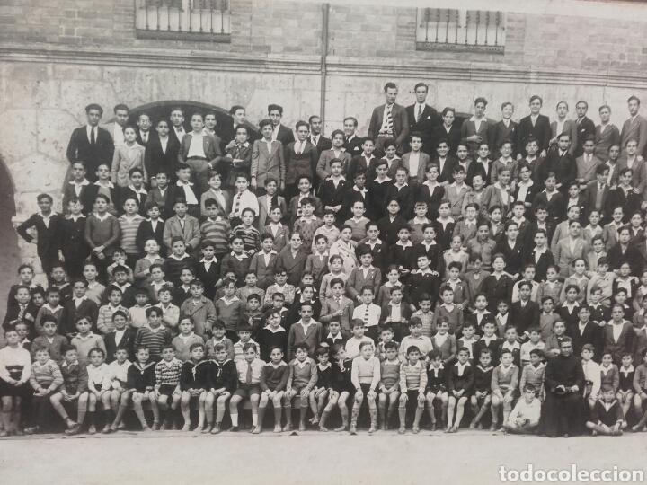 Fotografía antigua: ALUMNOS DEL COLEGIO DE SAN JOSE DE VALLADOLID POSANDO EN EL PATIO,CIRCA 1915 - Foto 3 - 119122963