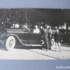 Fotografía antigua: FOTOGRAFÍA POSTAL DE UN AUTOMOVIL PUBLICADA EN LA REVISTA ESPAÑA AUTOMOVIL Y AERONAUTICA. 1920 CADIZ. Lote 120889267