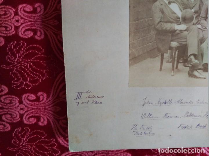 Fotografía antigua: 1882 suecia clase de estudiantes lleva todos los datos de don de es y los nombres de los que aparece - Foto 3 - 127620055