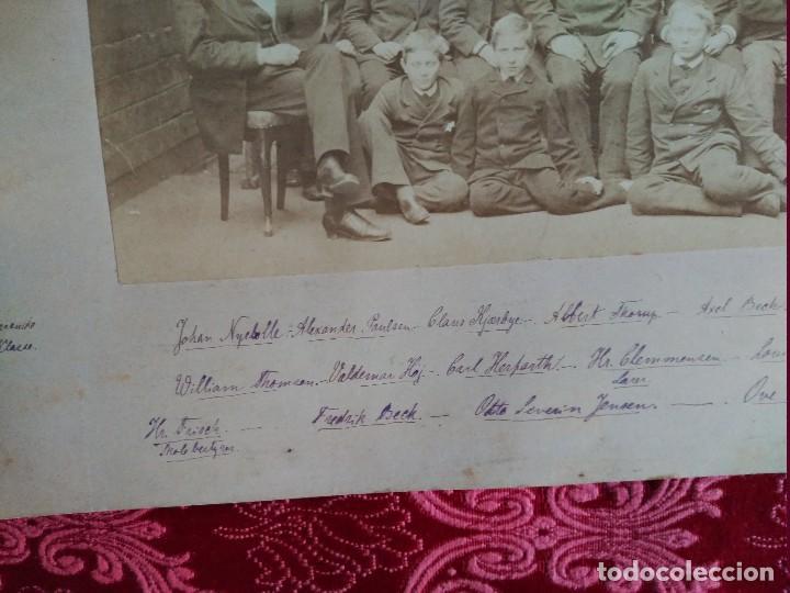 Fotografía antigua: 1882 suecia clase de estudiantes lleva todos los datos de don de es y los nombres de los que aparece - Foto 4 - 127620055
