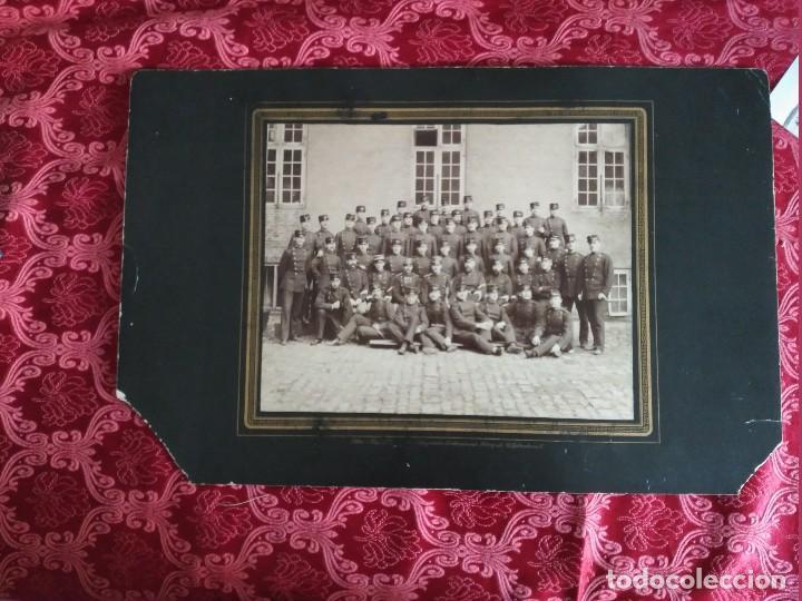 Fotografía antigua: gran foto sobre carton ejercito sueco ustergade finales siglo XIX - Foto 3 - 127621739