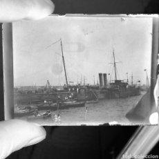 Fotografía antigua: PLACA GELATINO-BROMURO AÑO 1900 BARCOS ARMADA ESPAÑOLA. Lote 127659516