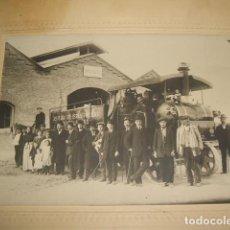 Fotografía antigua: GUADALAJARA GRUPO JEFATURA DE OBRAS PUBLICAS CON MAQUINARIA FOTOGRAFIA ARQUER 1913. Lote 128427639