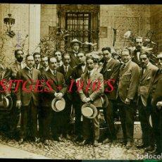 Fotografía antigua: MIGUEL UTRILLO Y ARTISTAS - SITGES - 1910'S . Lote 130252178