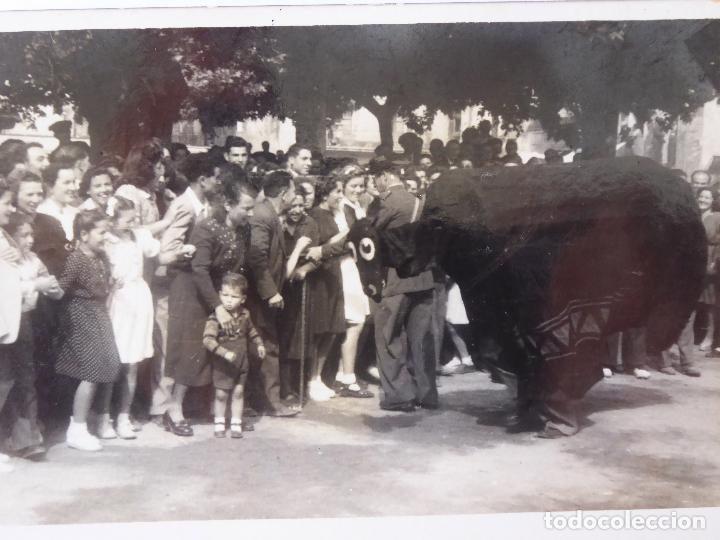 Fotografía antigua: F-3805. FIESTA POPULAR EN BARCELONA, AÑOS CINCUENTA. - Foto 2 - 131058668