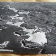 Fotografía antigua: GRAN FOTOGRAFIA AEREA 30 X 23 CM OVIEDO ASTURIAS PLAYAS DE BARRO AÑOS 60. Lote 133029066