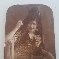 Fotografía antigua: GUADALAJARA RETRATO DE MUJER CON MANTILLA FOTOGRAFIA AÑOS 20. Lote 134940230