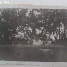 Fotografía antigua: GRUPO FAMILIAR GUADALAJARA FOTOGRAFIA AÑOS 50. Lote 135650983