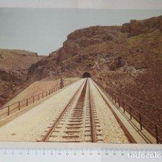 Fotografía antigua: RENFE - VÍA DE FERROCARRIL MADRID-BURGOS A SU PASO POR LA SIERRA DE GUADARRAMA - COPIA VINTAGE. Lote 139242486
