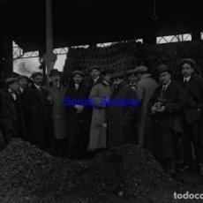 Fotografía antigua: ESCUELA COMERCIO, PRIMERA PIEDRA. PRAVIA? ASTURIAS - CRISTAL NEGATIVO PR. 1900. Lote 139718562
