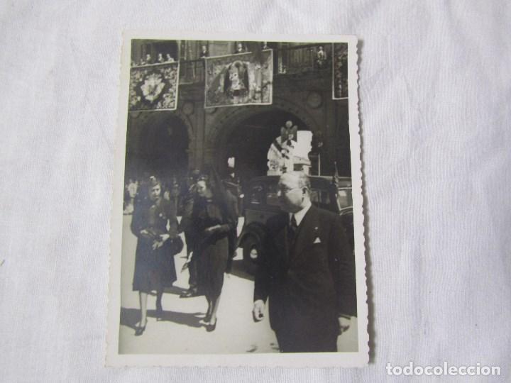 Fotografía antigua: Fotografía 30 de mayo de 1940 Madrina de la Bandera Plaza Mayor Salamanca - Foto 2 - 140182150