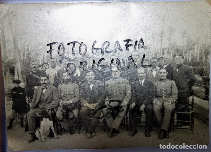 ELCHE. ANTIGUA FOTOGRAFÍA BLANCO Y NEGRO ORIGINAL. GRUPO DE AUTORIDADES . AÑOS 30.17 X 12 CM (Fotografía Antigua - Gelatinobromuro)