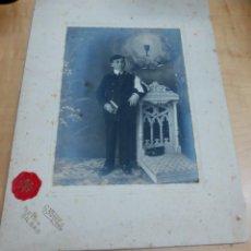 Fotografía antigua: FOTOGRAFÍA NIÑO PRIMERA COMUNIÓN FOTO FOTO G. NOVILLO BILBAO 27X20 CM. AÑO 1910. Lote 143169550
