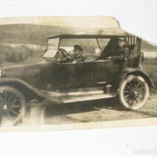 Fotografía antigua: FOTOGRAFIA TAMAÑO POSTAL DE LOS AÑOS 20 DE UN AUTOMOVIL POSIBLEMENTE DODGE. Lote 144251358
