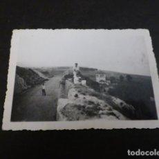 Fotografía antigua: TORREMOLINOS MALAGA ASPECTO URBANO FOTOGRAFIA 1947 6 X 9 CTMS. Lote 147933422