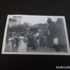 Fotografía antigua: OVIEDO ASTURIAS CABALGATA FOTOGRAFIA 1950 6 X 9 CMTS. Lote 147934370