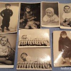 Fotografía antigua: LOTE DE 20 FOTOGRAFIAS DE NIÑOS Y BEBÉS ALGUNA FOTO POSTAL AÑOS 20/50/60/70. Lote 151550010