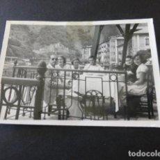 Fotografía antigua: ONDARROA VIZCAYA GRUPO FOTOGRAFIA ANTIGUA 6 X 9 CMTS. Lote 154837938