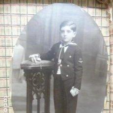 Fotografía antigua: NIÑO COMUNION FOTO GRANDE FORMA OVALADA. Lote 155658102