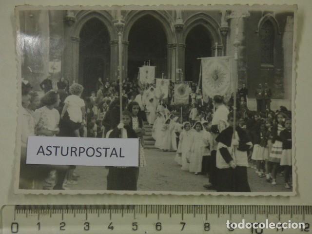 PROCESION EN AVILES ASTURIAS (Fotografía Antigua - Gelatinobromuro)