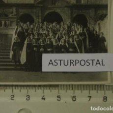 Fotografía antigua: NIÑAS DE ESCUELA RELIGIOSA EN AVILES , ASTURIAS . Lote 162178834